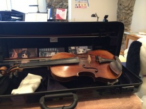 100+ yrs Old violin